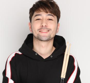 ドラム教室講師 タナカユウキ